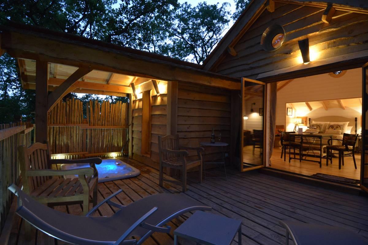 Cabane africa avec Spa - Cabane avec spa dans les arbres