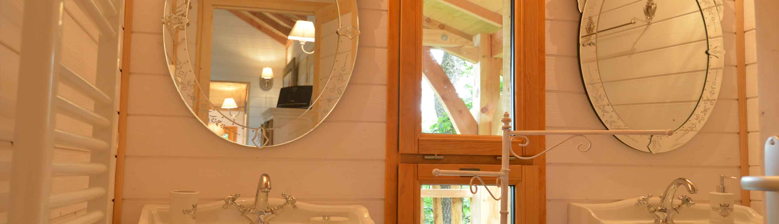 Cabane toscane avec spa lot et garonne - Cabane dans les arbres avec salle de bain ...